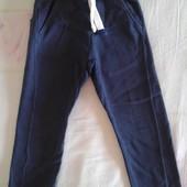 Продам штаны спортивные плотные мальчику 6лет, рост 116.Next.