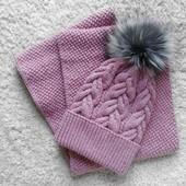 Комплект шапка + снуд натуральный пыльная пудра бубон помпон (можно под заказ)