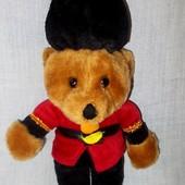 Игрушка-подвеска мягкая мишка Тедди в военном мундире 26см