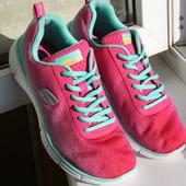 Женские кроссовки Skechers 37 размер