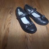 туфли кожа Clarks р.31 стелька 19.5 см в хорошем состоянии