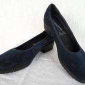 Стильние туфли замшевие Medicus р.39