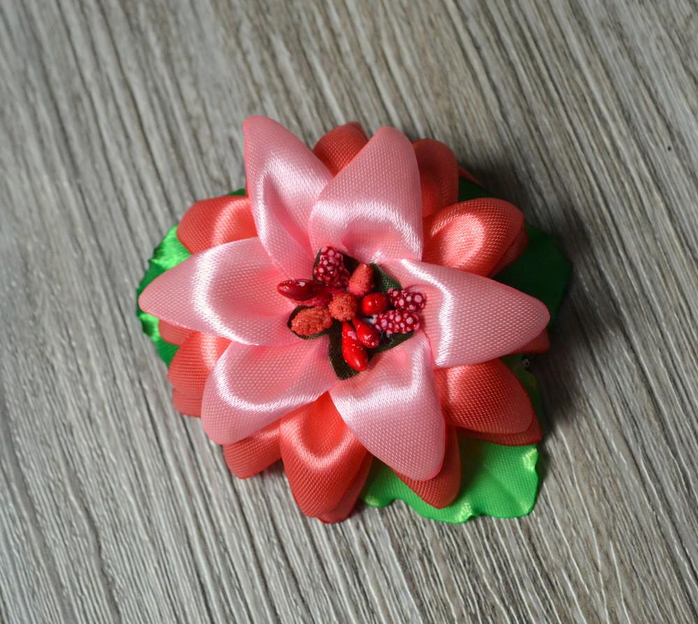 Резиночка для волос - лилия фото №1