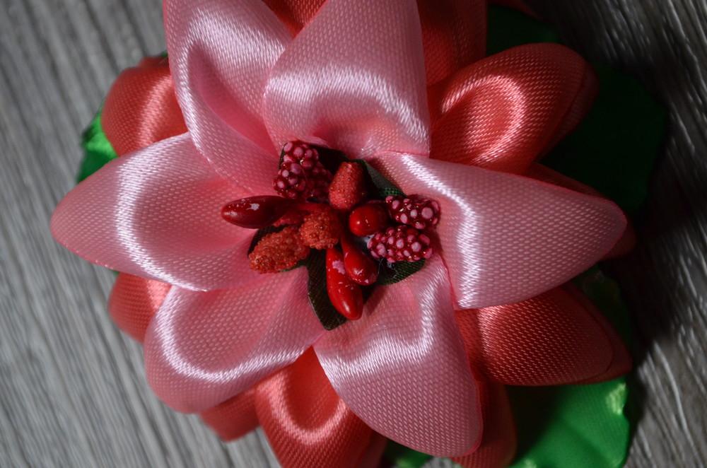 Резиночка для волос - лилия фото №2