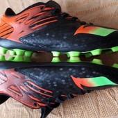 Бутсы копочки фирменные Adidas messi р.35-22 см.