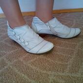 Женские ботиночки Мустанг 39р.25 см.
