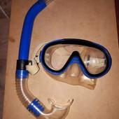 Маска с трубкой для плаванья