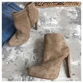 Замшевые ботинки Zara с крутым каблуком рр 37