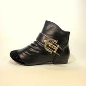 Ботинки-Полусапожки демисезонные с вставкой из замши на удобном каблуке. Размер 36-41.