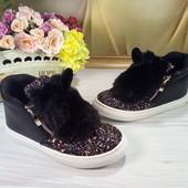 Деми ботинки для девочки пушистые зайки с ушками размер 24,28 черные
