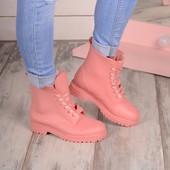 резиновые сапоги на шнуровке розовые серые черные