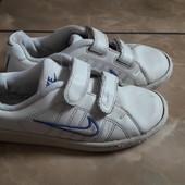 Кроссовки Nike оригинал для двора. 33 р./ 20,5 см.