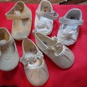Нарядные фирменные туфельки для принцессы. Новые! Стелька 10-11 см.