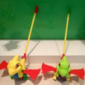 Каталка Динозавр на палочке, 2 цвета