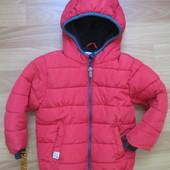 Яркая тёплая куртока Next на 1,5-2,0 года 2016г