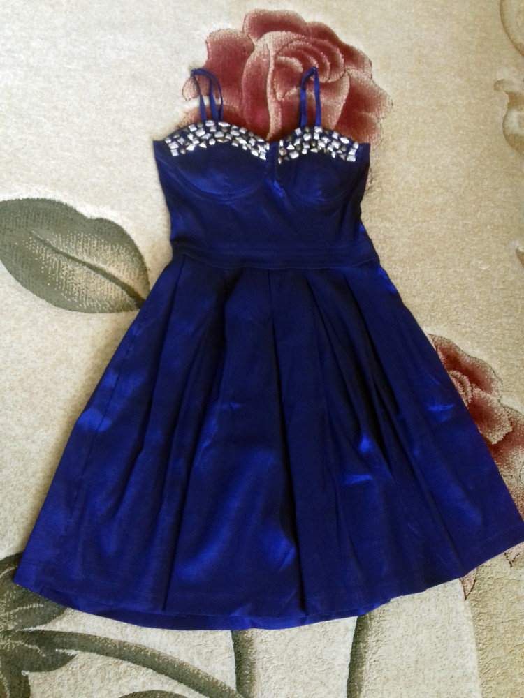 c094d1b2651 Boohoo! синее королевское платье. размер м