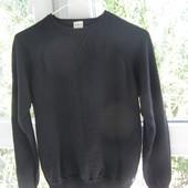 Calvin Klein Jeans  свитер 100% мериносовая шерсть M-L-размер