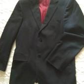 Мужской деловой пиджак