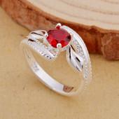 Шикарное женское кольцо с рубином р 16,5