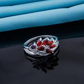 Очень красивое женское серебристое кольцо р 17