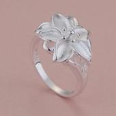 Нежное кольцо Лилия р 17,5