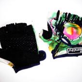 Перчатки для спора или велосипедиста