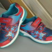 Ботинки кроссовки с мигалками Clarks кожа (25,5)