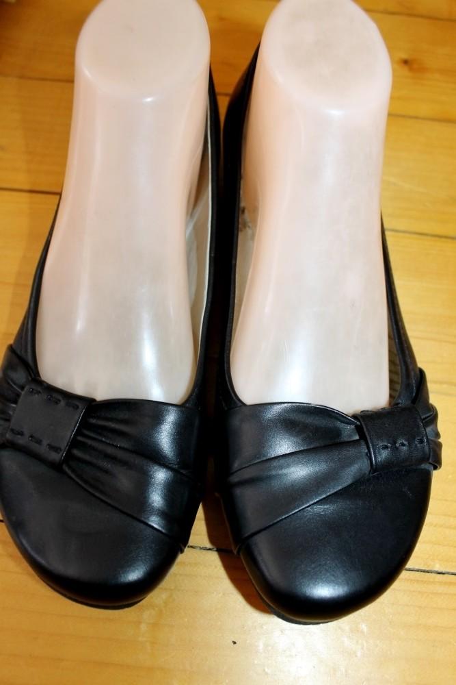39 разм. фирменные балетки clarks. кожа длина по внутренней стельке - 25,5 см., ширина подошвы - 9 с фото №3