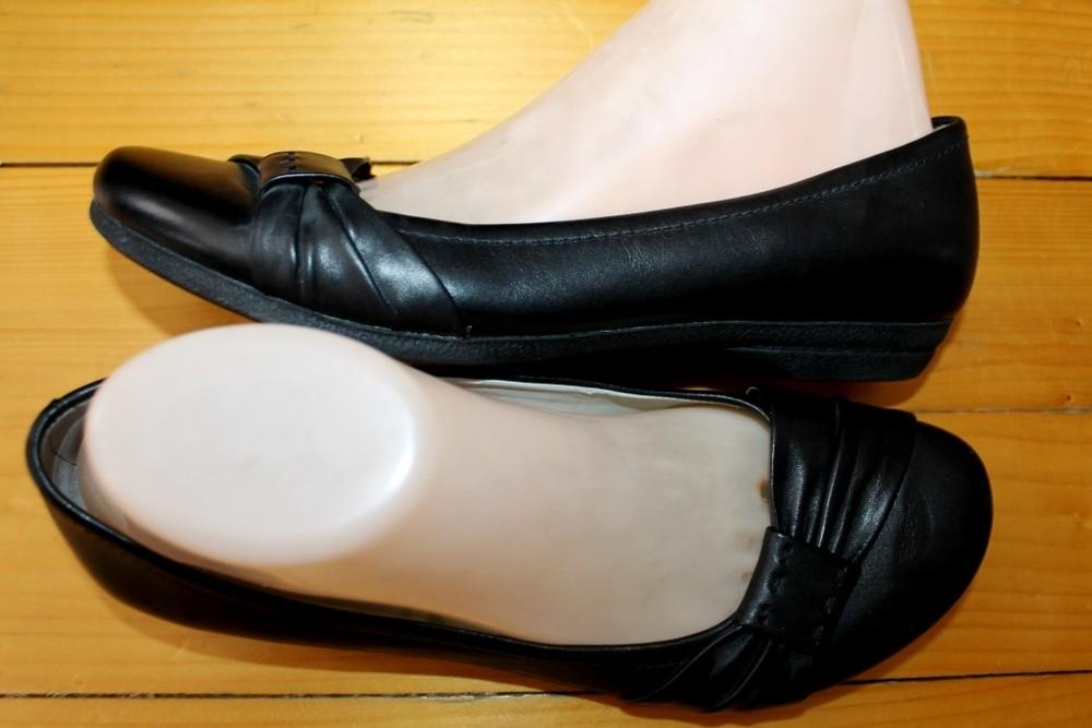 39 разм. фирменные балетки clarks. кожа длина по внутренней стельке - 25,5 см., ширина подошвы - 9 с фото №5