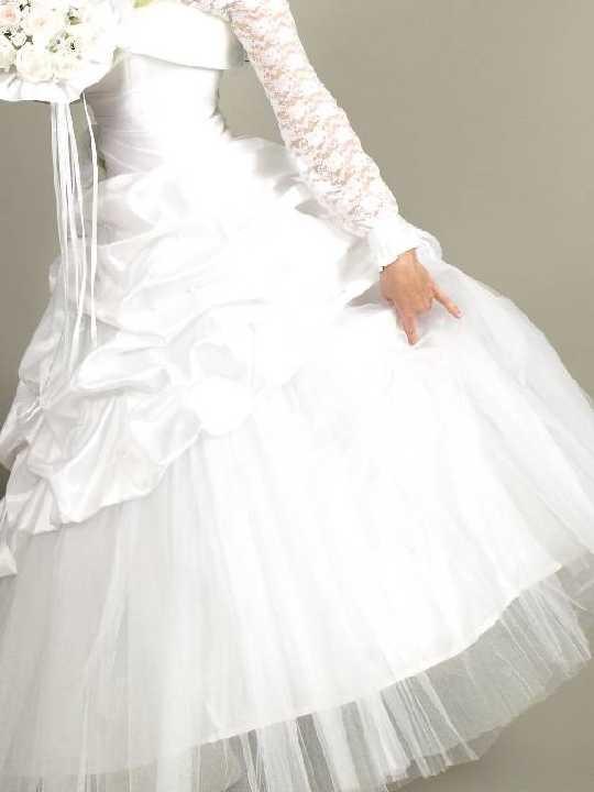 Свадебное платье открытое с кольцами (на фото блуза под платьем) фото №1