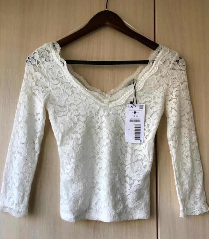 66ea80b4832 Белая кружевная блуза bershka