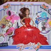 кукла шарнирная с аксессуарами,украшениями в коробке очень красивая