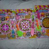 Огромный набор сладостей и пиццы на листе