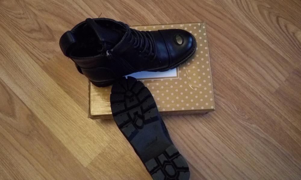 Черные зимние ботинки фото №4