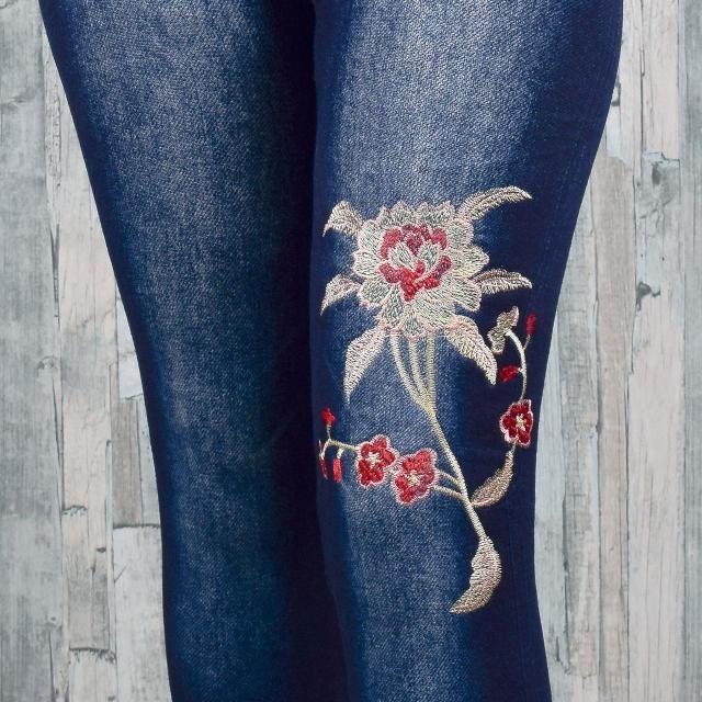 Джеггинсы женские с вышитыми цветами и махрой внутри фото №3