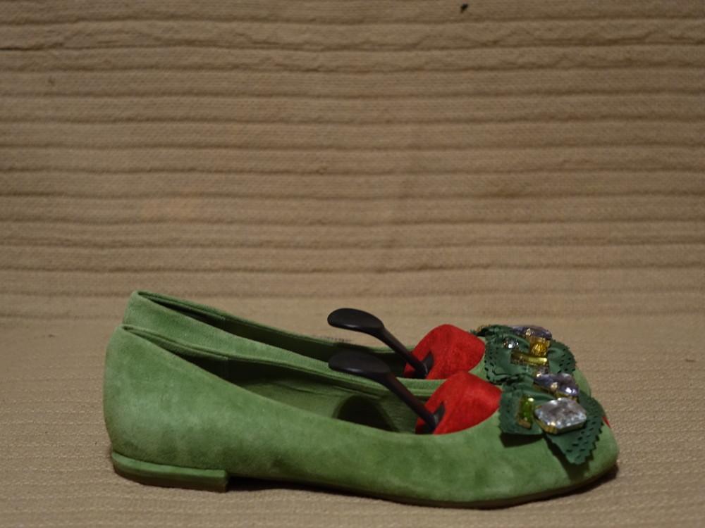 Эффектные замшевые зеленые балетки с открытым мысом clarks cushion soft англия 6 d. фото №1