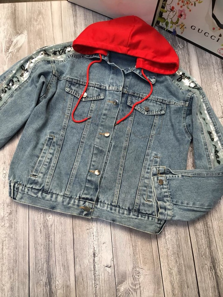 Удлиненная джинсовка с поедками фото №1