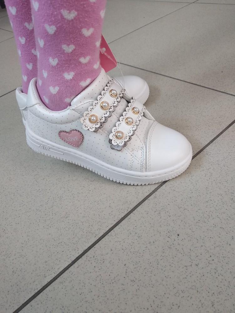 Кроссовки для девочки белые фото №1
