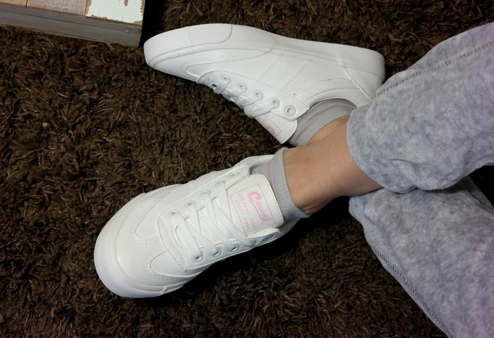 Подростковые белые кеды кроссовки , стильная обувь на каждый день. в наличии фото №1