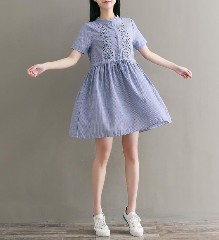 Легкое платье в полоску с орнаментом вышивкой, р. l фото №1