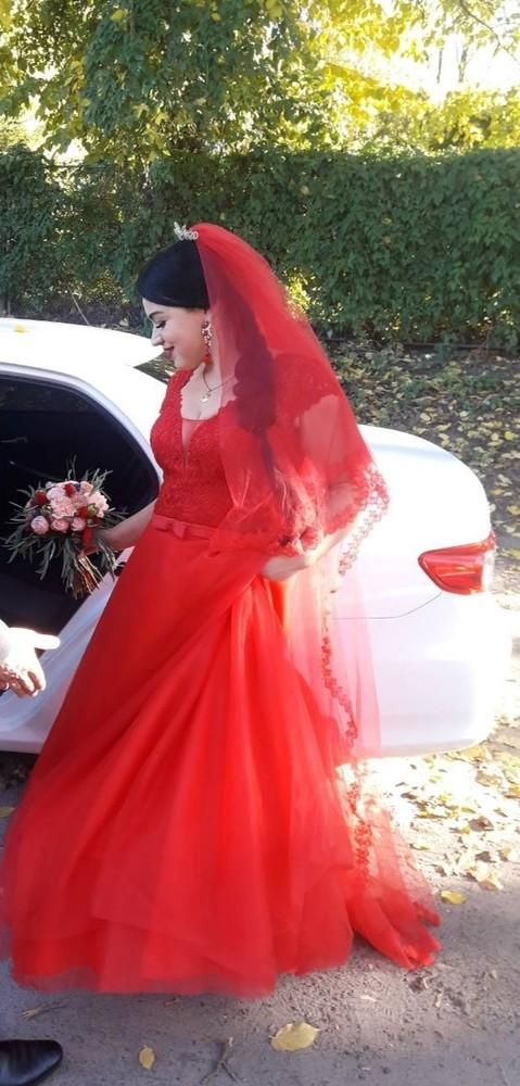 Продам свадебное платье 48-50 р! фото №1