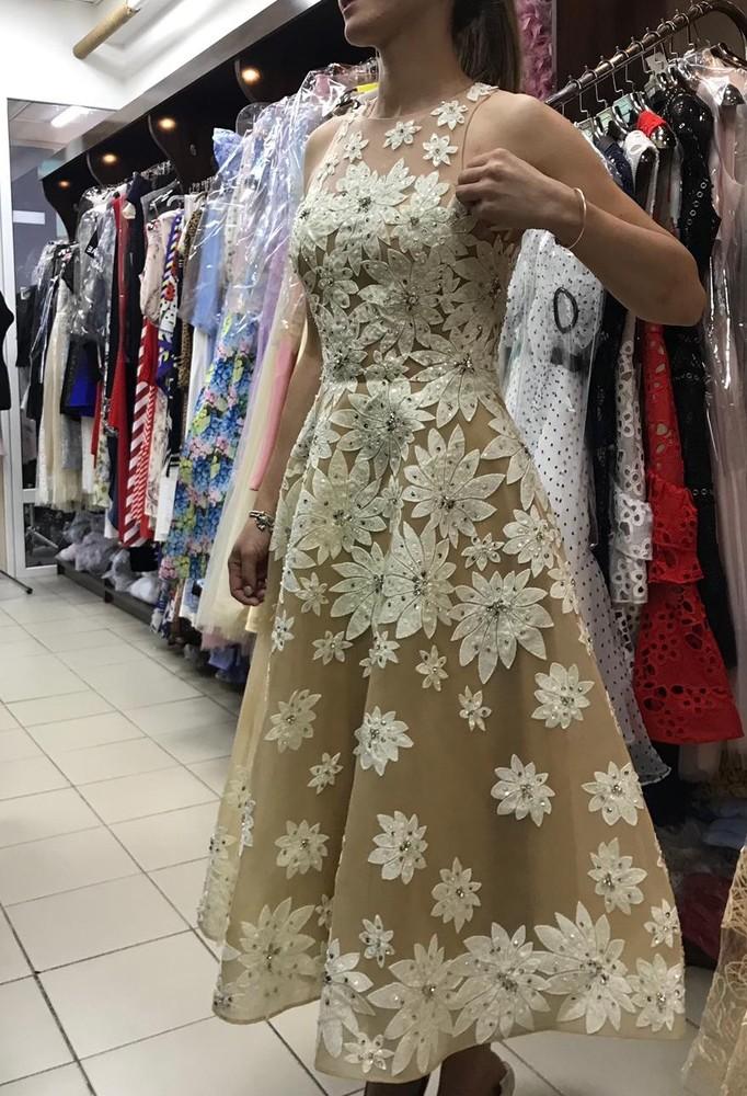Роскошное платье, на важное мероприятие, выглядит очень дорого и шикарно фото №1