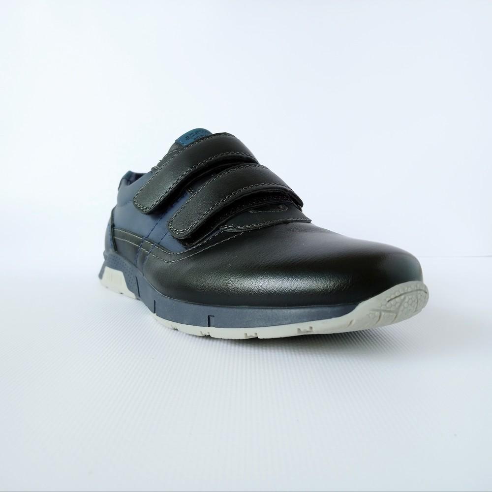 Школьные туфли на липучках, р. 34(22,5 см). венгрия фото №1