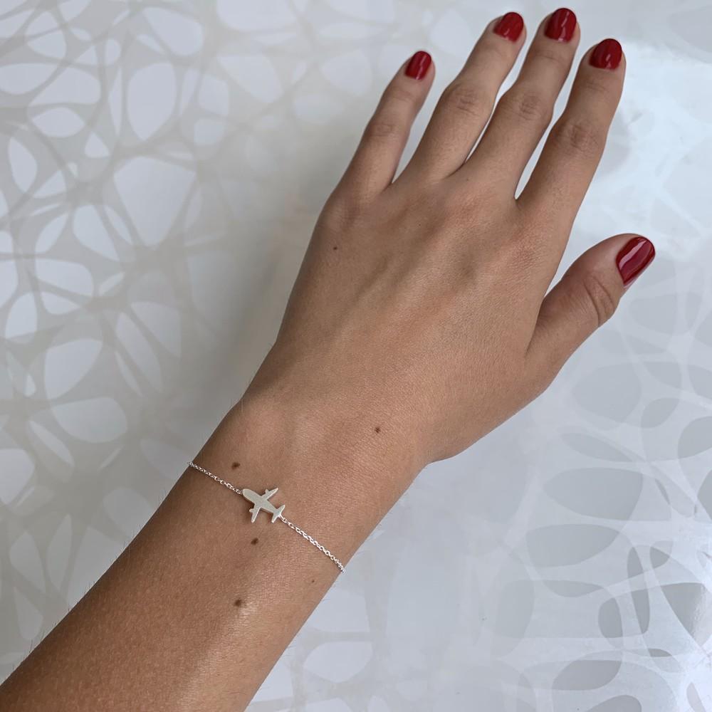 Женский серебряный браслет с самолётом фото №1