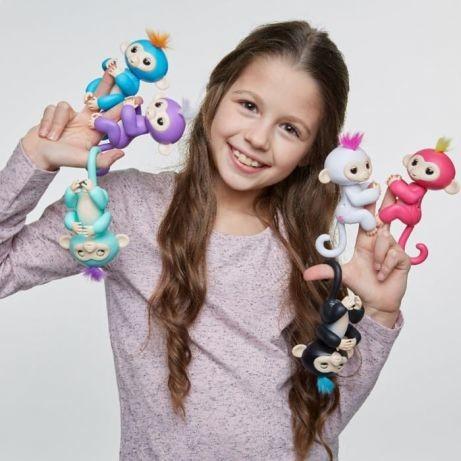 Интерактивная ручная обезьянка fingerlings wowwee baby monkey фото №1