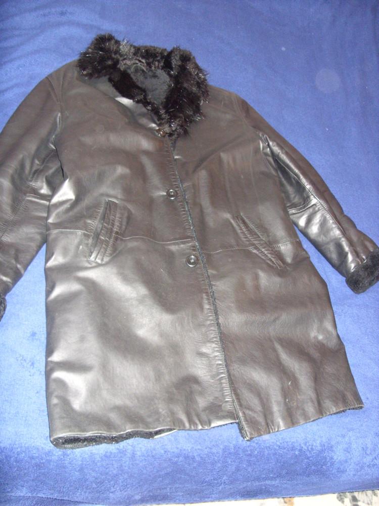 Продам кожаное пальто размер l фото №1